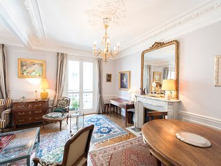 Veeve - French-style Allure in Saint-Germain des Pres