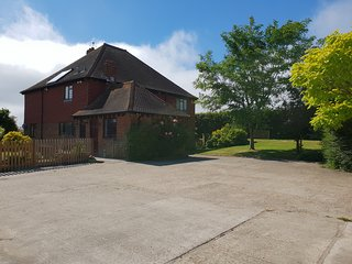 Drockmill - Sussex Farmhouse, great for friends and families