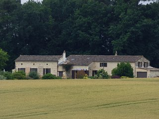 Luxury private farmhouse/barn conversion with pool near Monpazier-sole occupancy