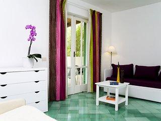 Appartamento Taigete, bilocale con terrazzo con vista sulla piscina.