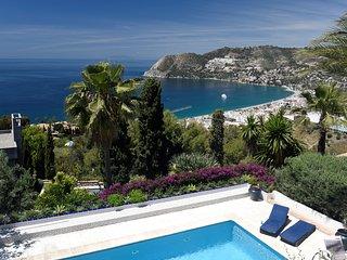 Grande villa spacieuse de luxe familiale - piscine, vue exceptionnelle mer