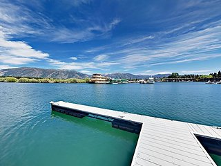 3BR w/ Boat Dock & 180-Degree Marina/Mountain Views – Near Heavenly