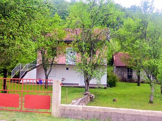 Villa Mila 2 – Cosy Countryside Retreat in Lika