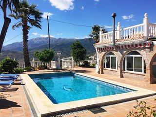 Villa Mibela para 6 personas con piscina privada y aire acondicionado en Cómpeta