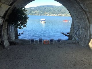 Gelsomino 1 apartment with lake view and beach