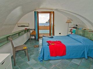 Appartamento Maestrale, bilocale con soppalco con vista mare