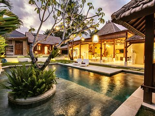 ❤ - 25% CANGGU 3BR & 12m Private Pool VILLA ❤  SUNDECK ❤ 9min BEACH