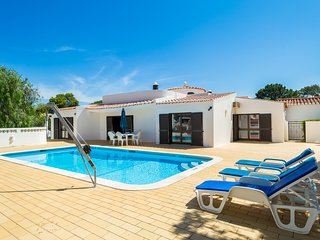 Casa dos Cães, 3 Bed Villa With Pool, Air Conditioning, Wi-Fi & UK TV, Carvoeiro