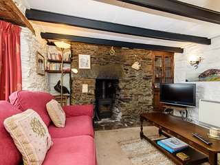 Talland House - Cosy pet friendly cottage near Polperro harbour.