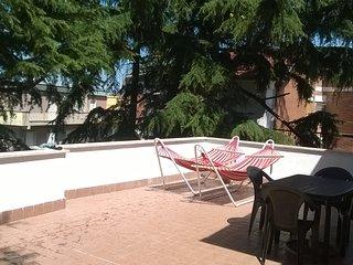 Attico Enrica Sabaudia centro con grandissima terrazza attrezzata