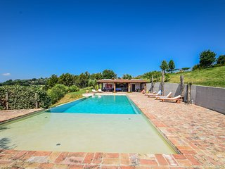 Cottage in big estate with well maintained garden 14x6 pool, panoramic views