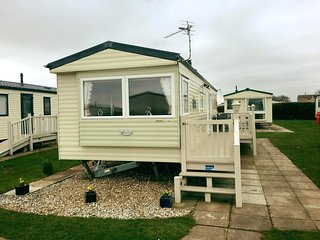 Gorgeous 8 berth caravan