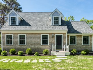 BOWKW - Edgartown, Lovely Coastal Cape Retreat,  Luxury Decor, Chef's Kitchen, I