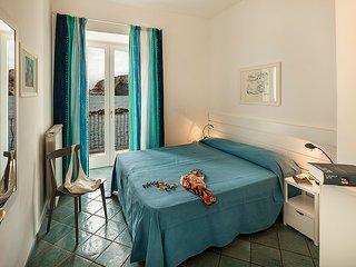 Appartamento Libeccio, trilocale con terrazzo vista mare