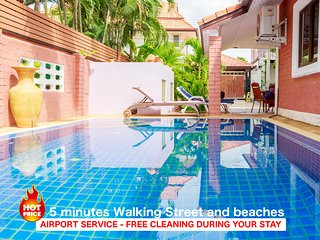 4 bedrooms villa C near the beach and walking street