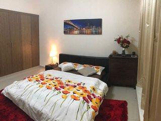 Luxury Apartment Private Bedroom with Ensuite Bathroom