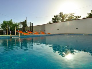 3 bedroom Villa with Pool, Air Con and WiFi - 5400227
