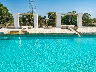 Don Diego, Trulli Villa with pool