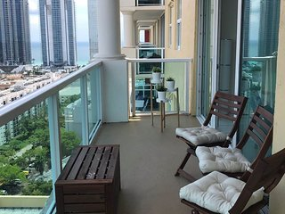Big place in Sunny Isles for all family near beach