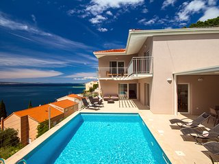 NEW!! Villa MAM with private pool and sea view, 4 bedrooms, 10 persons max