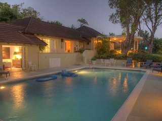 Lovely Sandy Lane Villa 3Bedrooms + 40ft Pool + Beach Cabana