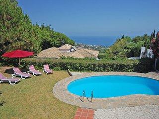 3 bedroom luxurious villa in desirable location