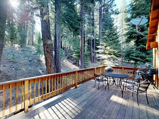 NEW LISTING! Modern cabin w/entertainment, shared pool, hot tub-near golf & ski