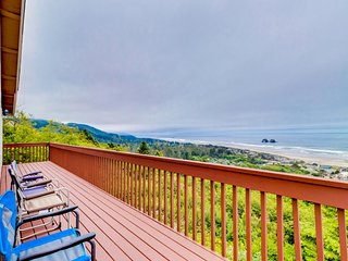 Beautiful home with ocean, mountain views, room for 10!