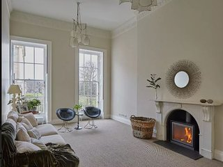 Bath's Finest Address - 6* Stunning Apartment