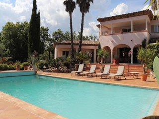Superbe villa avec piscine 4 chambres