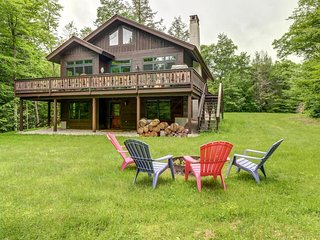 NEW LISTING! Lovely home w/deck, firepit, pond & shared pool-near Killington