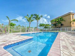 Florida Keys Fishing & Diving, waterfront Home heated pool, deep dock, parking