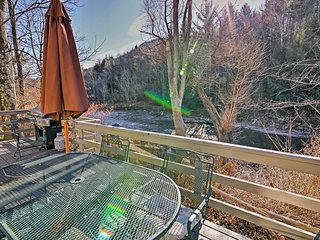 Private Home w/Large Deck - 1 Mi From Hunter Mtn!