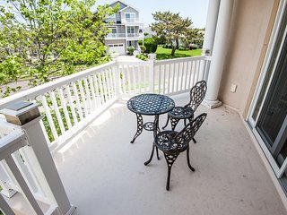 Seaside Beach Mansion, 9 BR, 8 Baths!  Pool, Elevator and Roof Deck! Sleeps 24!