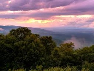 Wintergreen Beauty sleeps 22 pet ok SUNSETS next to waterfalls golf & spa