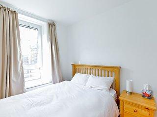 Modern 2BR Apartment near Canary Wharf