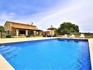 CAS BORRASSOS- Finca with pool 10 minutes from Palma. Interior Mallorca. BBQ Sat