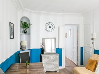 Parisian apartment in the heart of the capital - W449