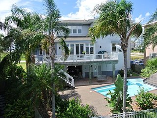 PRIVATE POOL, BOAT LIFT, BAYFRONT, ELEVATOR