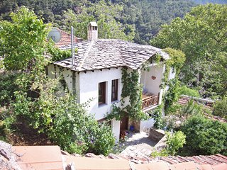 VILLA SYMEON: holiday house in Kazaviti-Prinos on Thassos, the green island