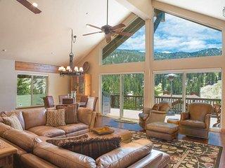 Gorgeous home in Tyrolian Village at base of Diamond Peak - Swiss Kiss