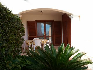 Spacious 2 bed apartment only 1km from a beautiful sandy beach.
