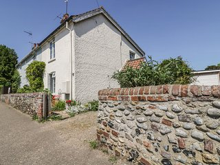 12 FAKENHAM ROAD, charming location, close to city centre, near Norwich, 21440