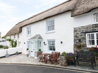 GUNVOR COTTAGE, thatched roof, Coverack coast