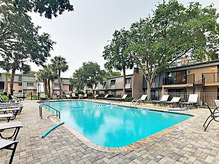 Ocean Club 2BR w/ Heated Pool, Private Boardwalk & Beach Access