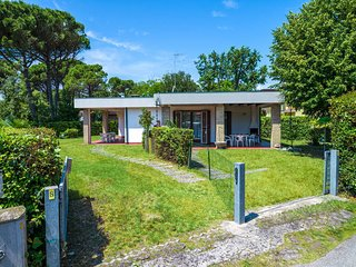 3 bedroom Villa in Bibione Pineda, Veneto, Italy : ref 5637169