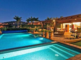 3 bedroom Villa in Maspalomas, Canary Islands, Spain : ref 5637008