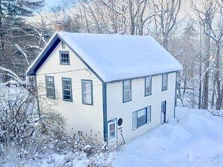 The Modern Lumberjack's Carriage House