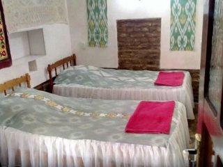 Bukhara Hotels Miraziz Ambari - Triple Room 3
