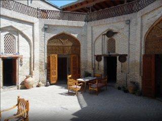 Bukhara Hotels Miraziz Ambari - Family Room 1